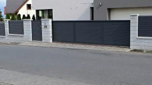 KOĽAJOVÁ brána